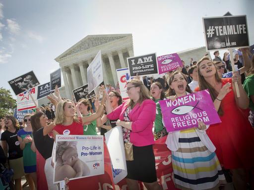 Supreme Court Birth Control_194257