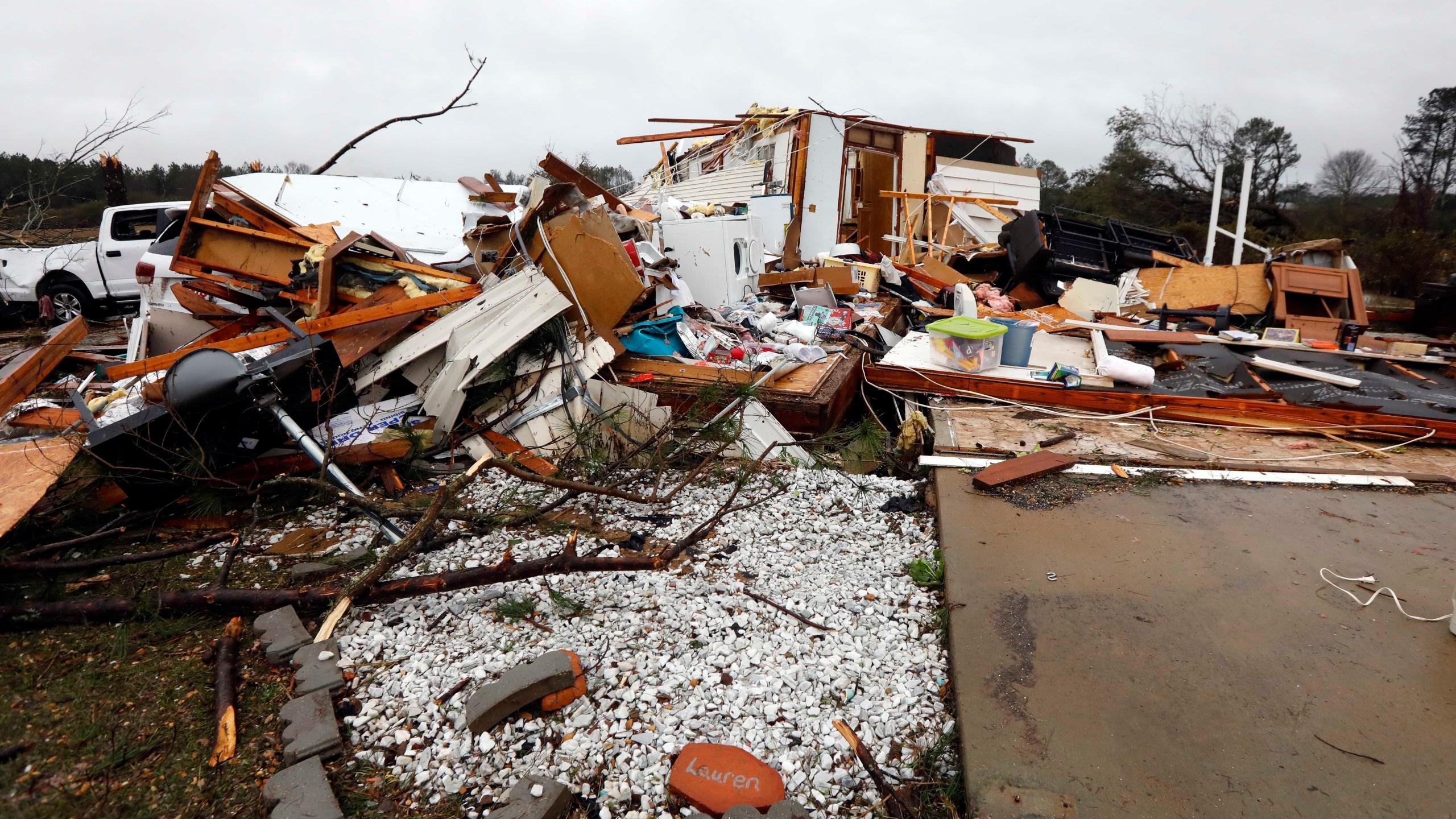 tornado dead body pictures - HD2560×1440