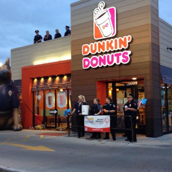 dunkin donuts police.jpg-large_286919