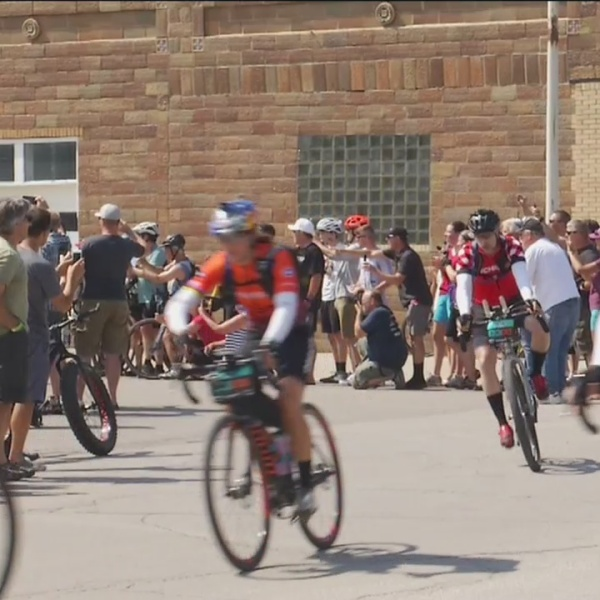 Dirty Kanza bike ride brings thousands to Emporia