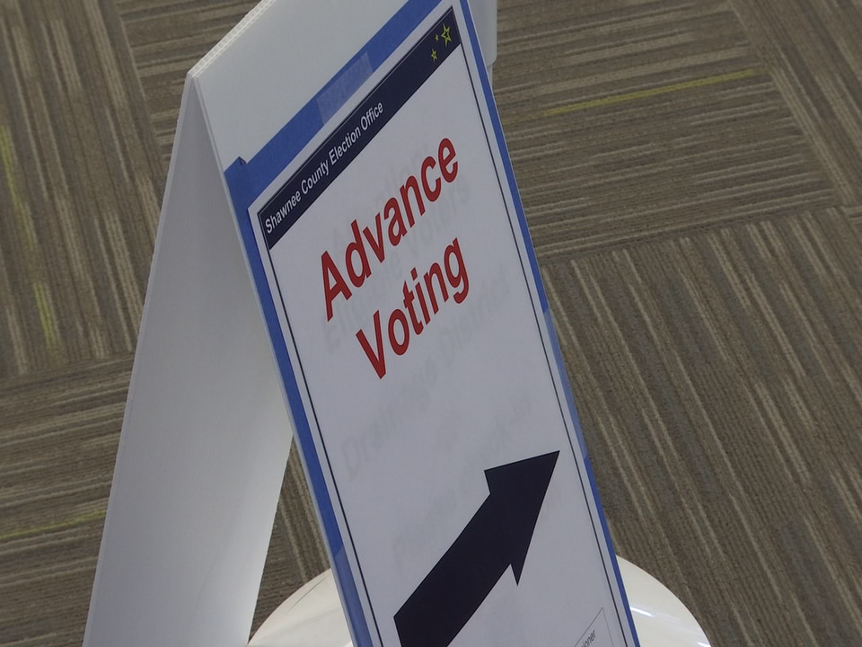 advance voting-846624078.jpg