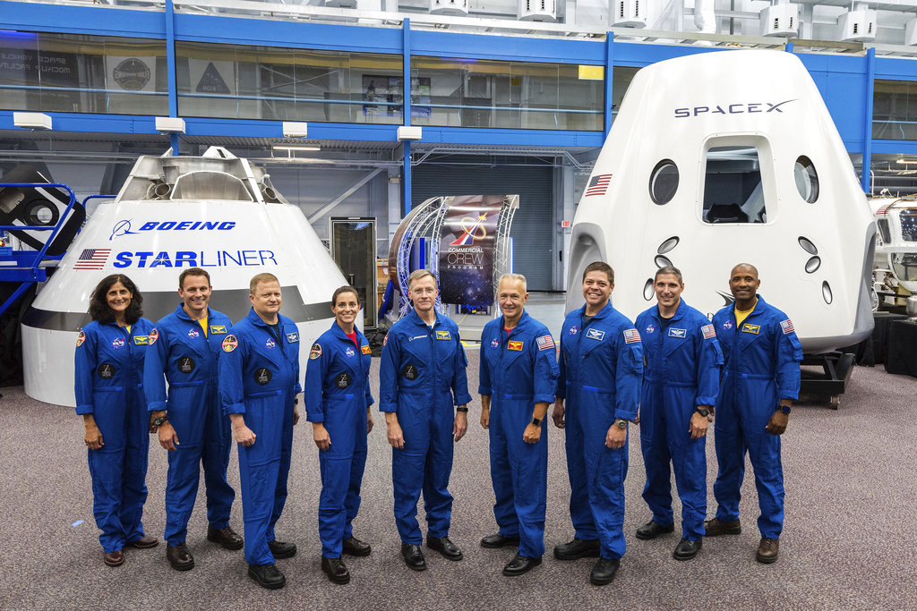 Commercial Space Astronauts_1533316455055