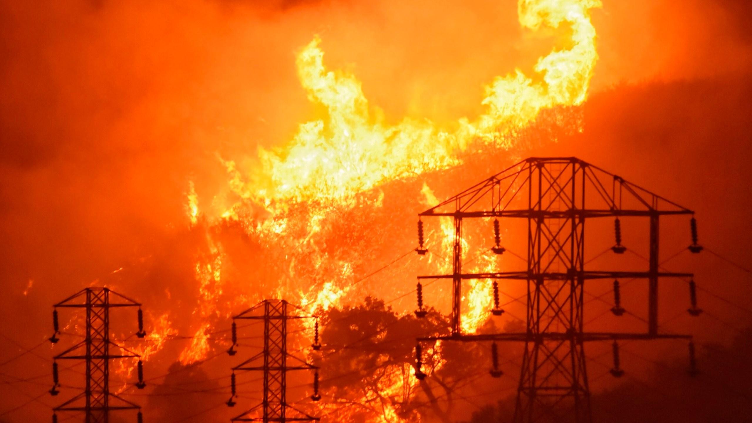 California_Wildfire_Utility_50638-159532.jpg08267009