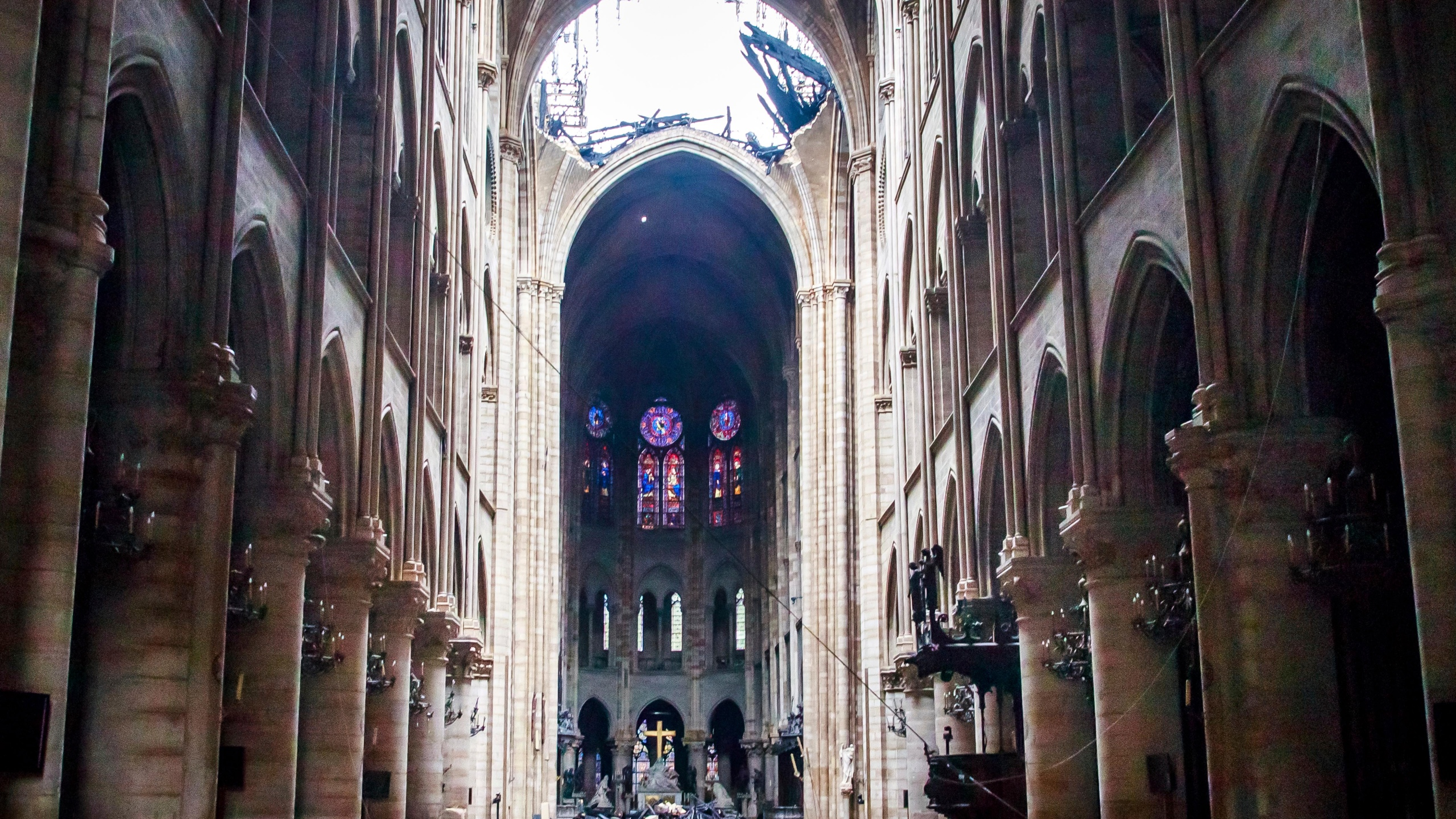 APTOPIX_France_Notre_Dame_Fire_12281-159532.jpg41992875
