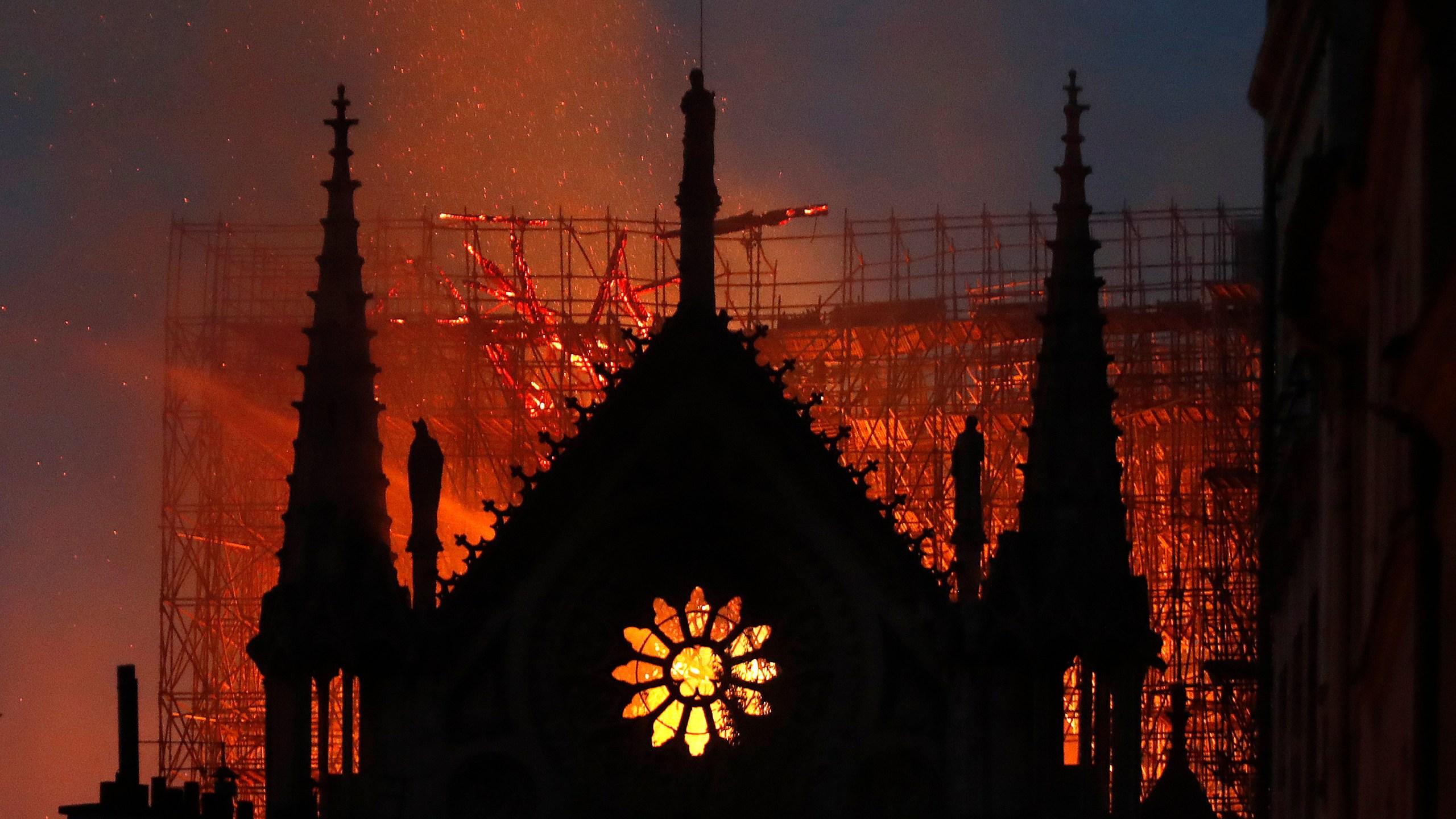APTOPIX_France_Notre_Dame_Fire_68392-159532.jpg47513516