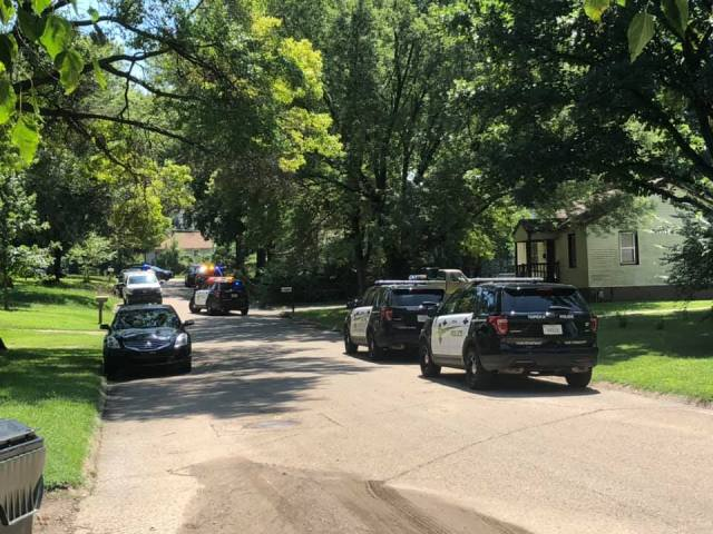 One woman hurt in Southeast Topeka shooting