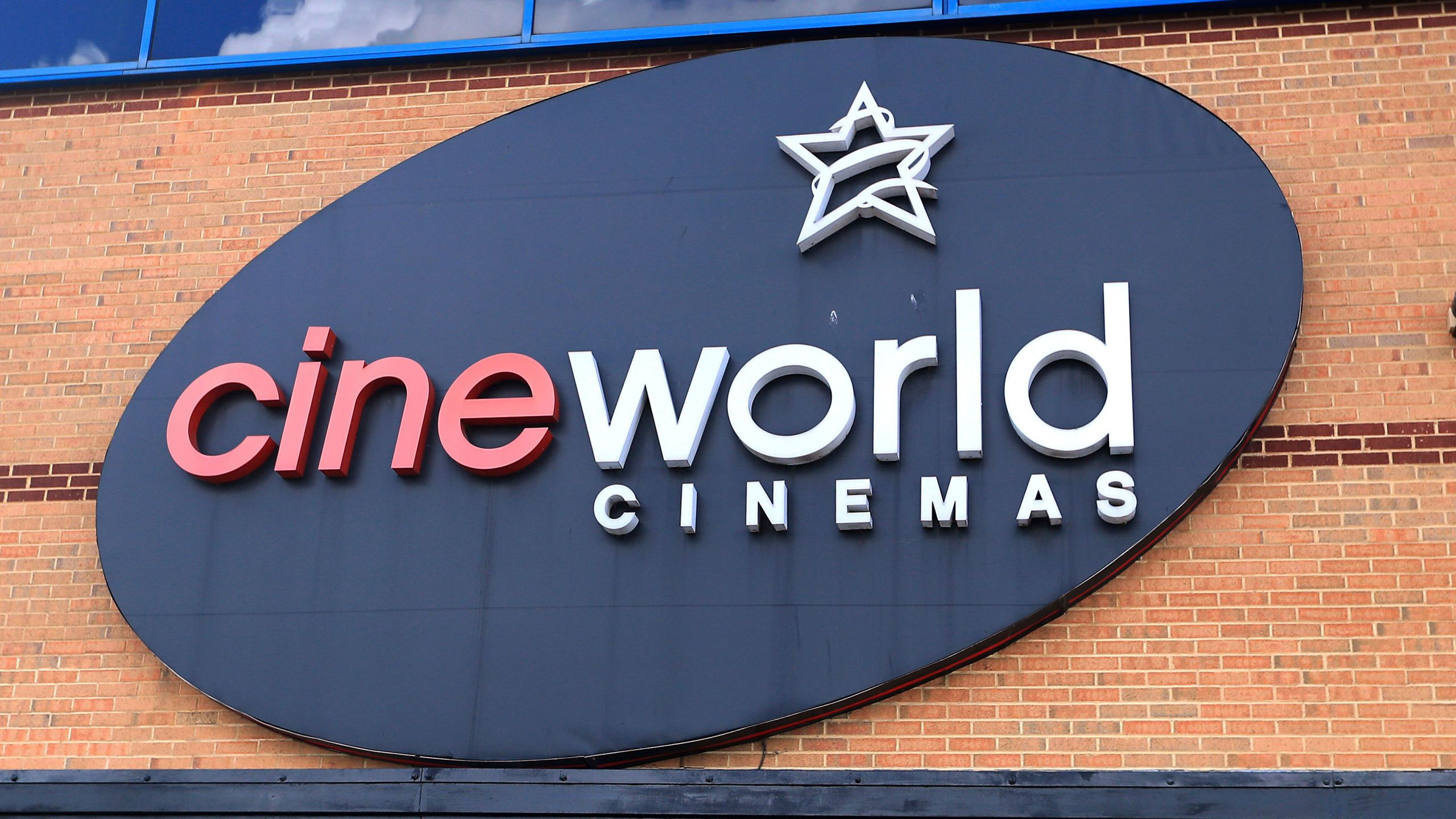 hundreds of regal cineworld movie theaters to close ksnt news hundreds of regal cineworld movie theaters to close ksnt news