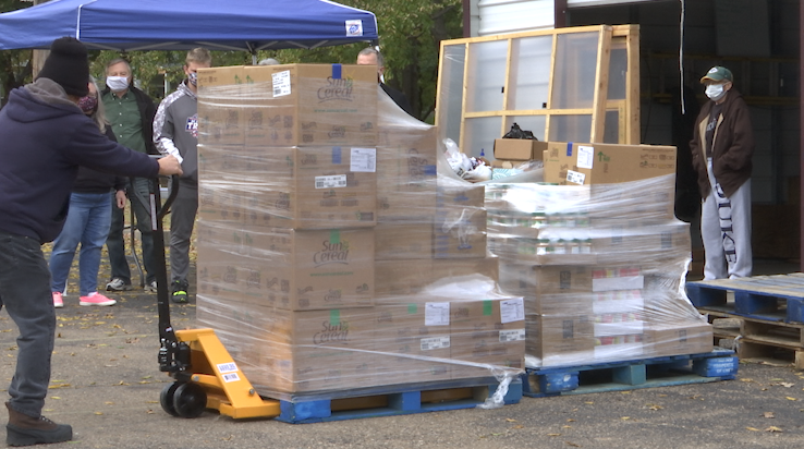 Local church gives out nearly 4,000 pounds of free food a week