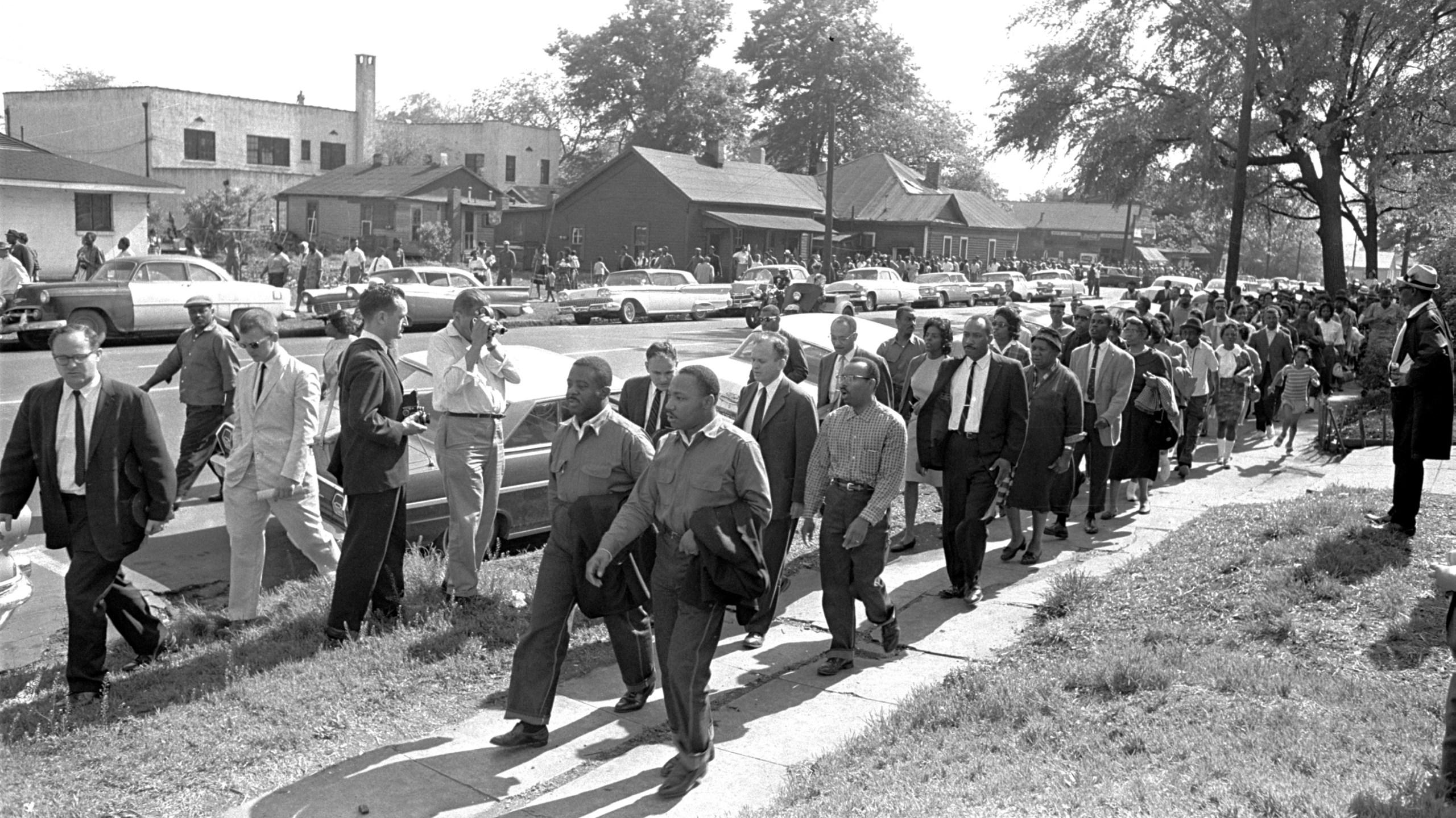 Martin Luther King Jr., Ralph David Abernathy, Birmingham march