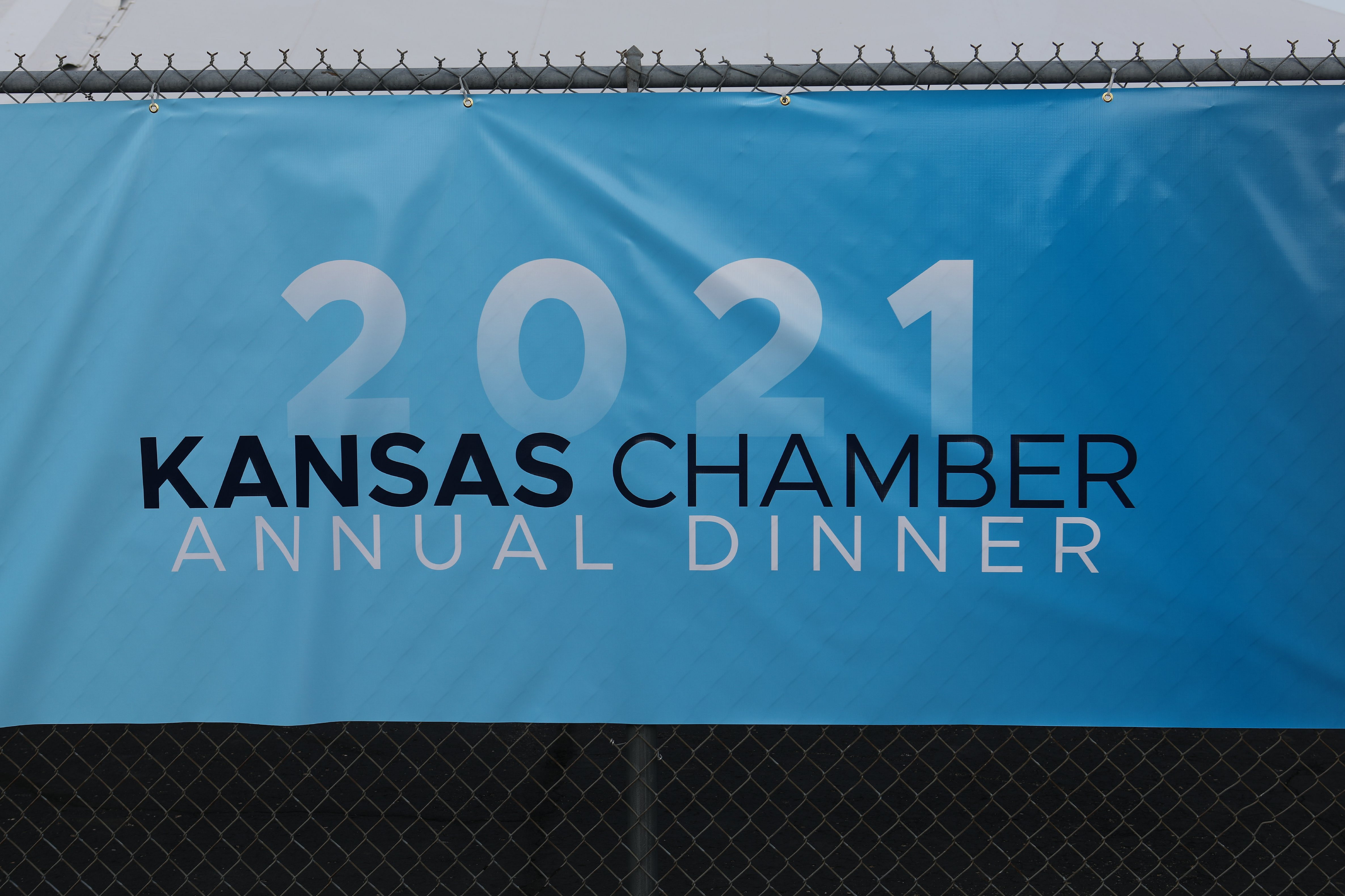 Kansas Chamber of Commerce holds annual dinner at Vaerus Aviation